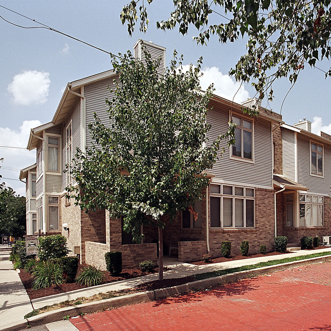 Shadyside Apartments: Alder Townhouses