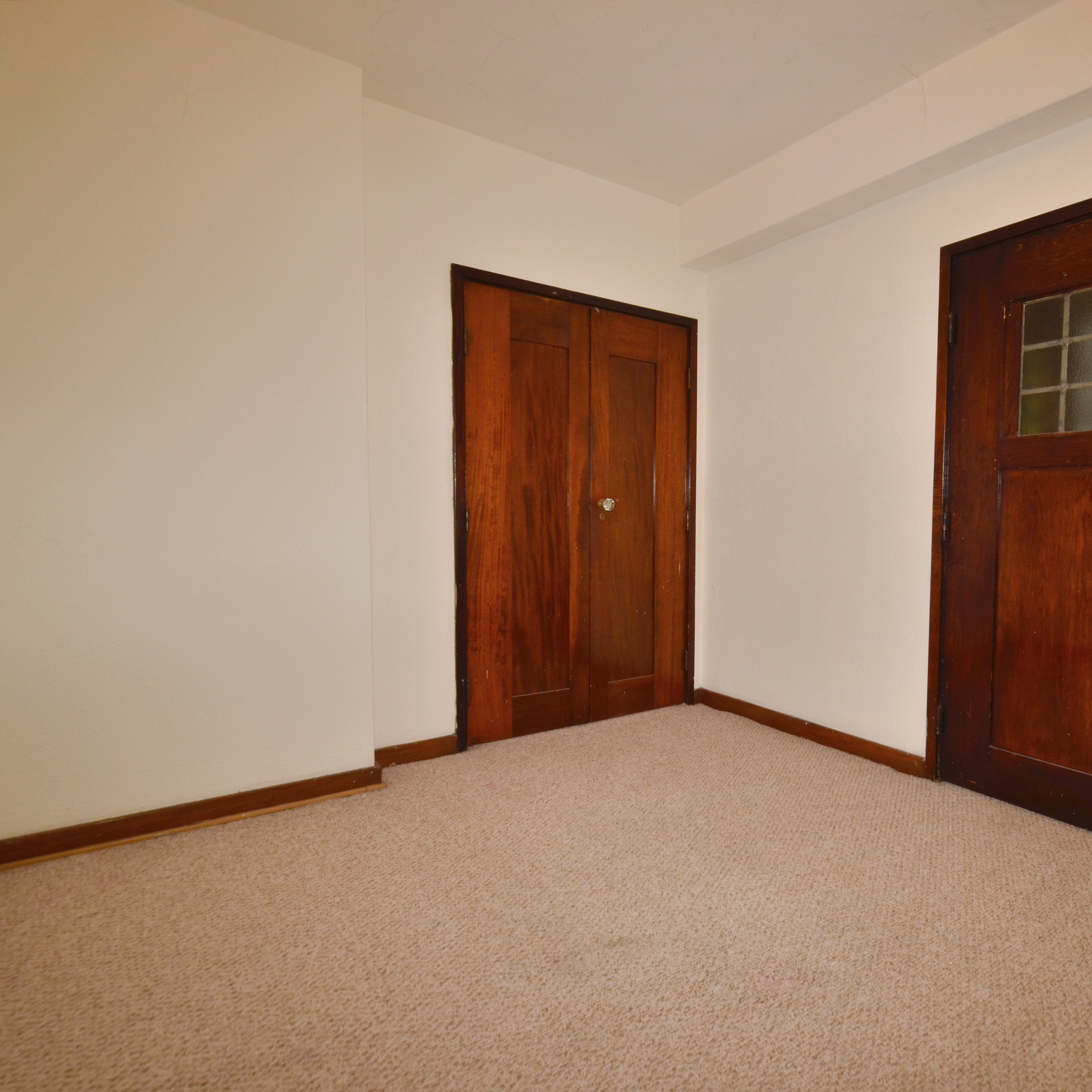 interior of 340 S. Highland Ave, Apt. 4A 4