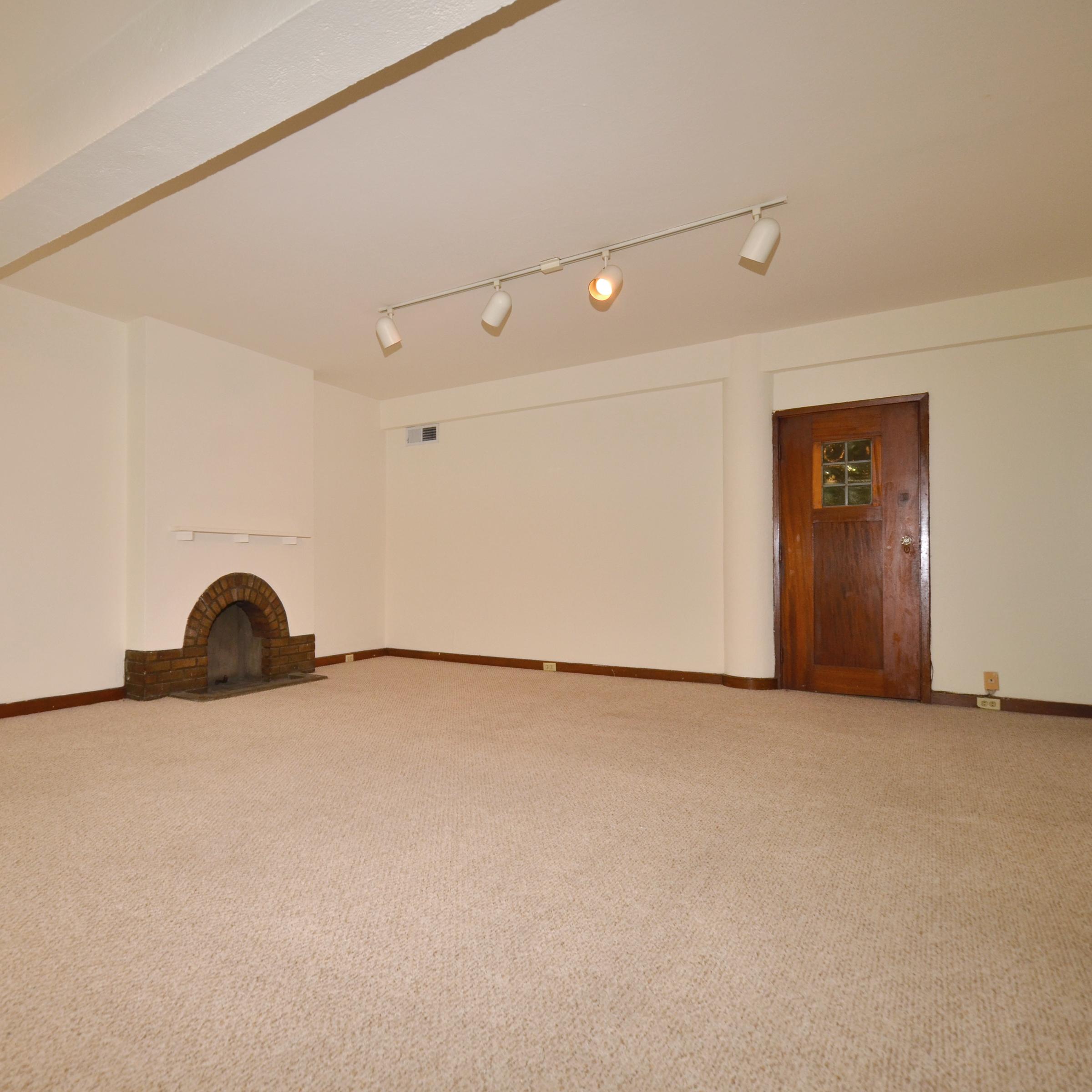 interior of 340 S. Highland Ave, Apt. 4A 2