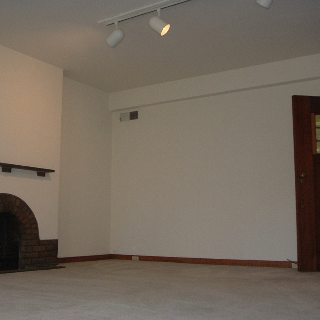 interior of 340 S. Highland Ave, Apt. 6A 2