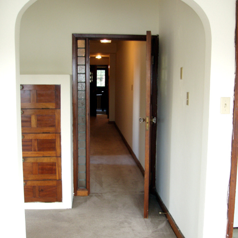 interior of 340 S. Highland Ave, Apt. 6B 3