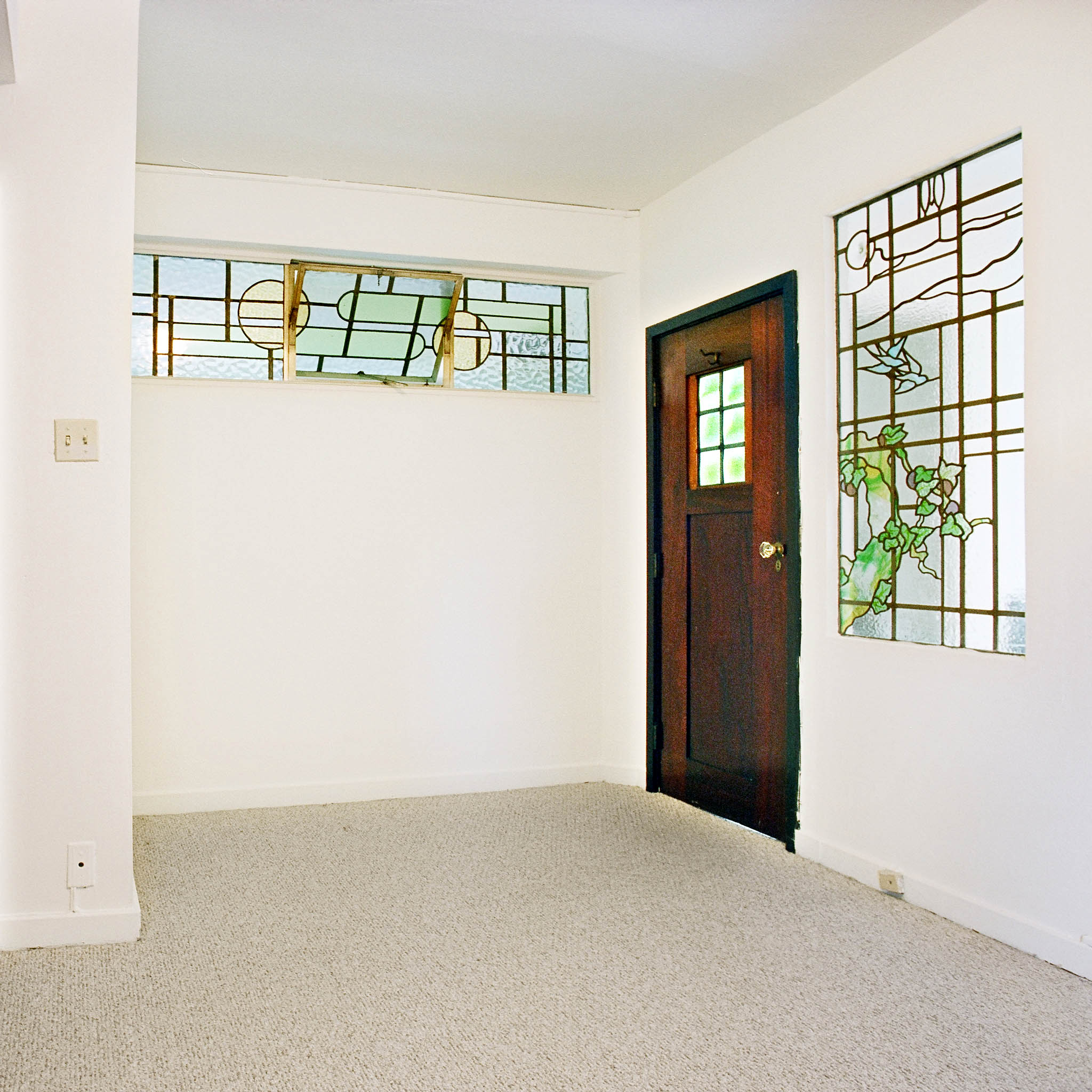 interior of 340 S. Highland Ave, Apt. 3A 7