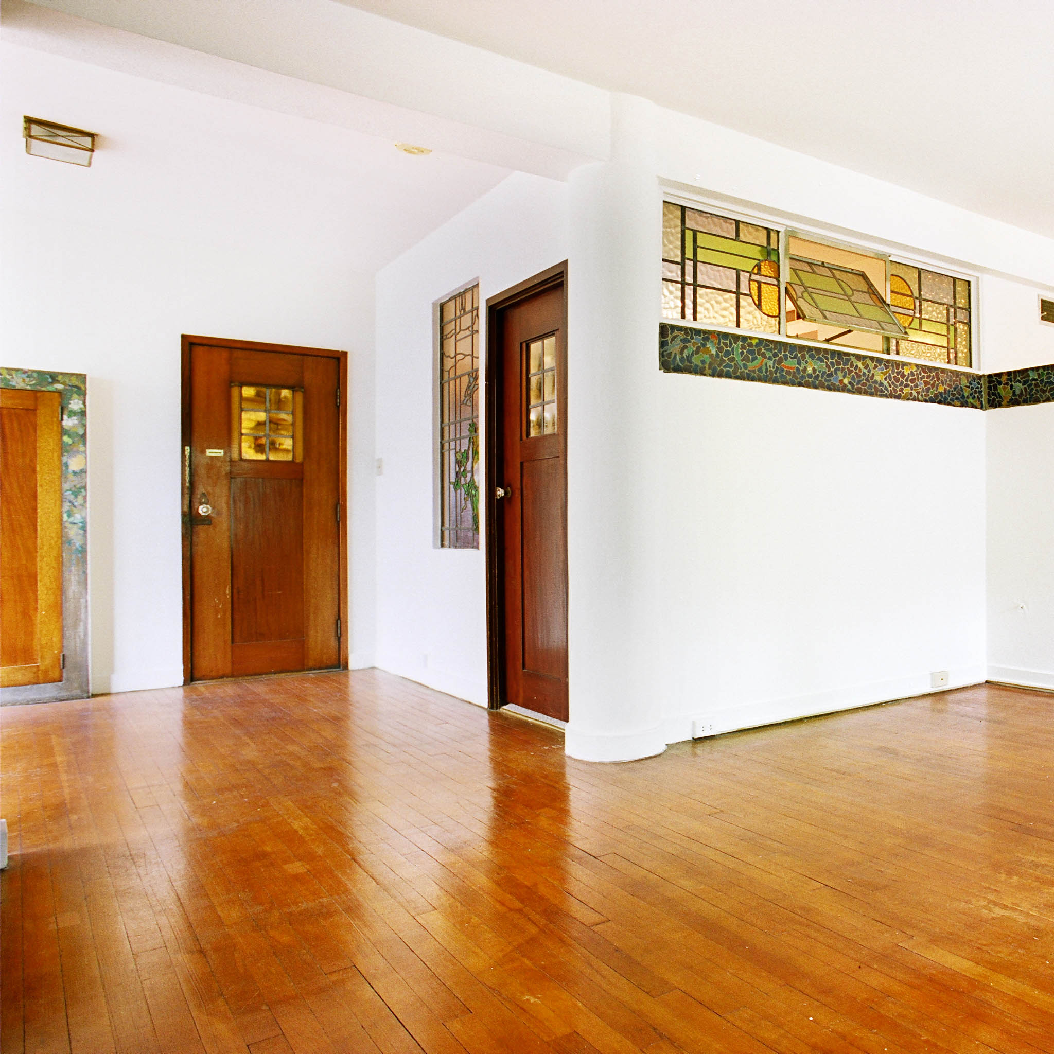 interior of 340 S. Highland Ave, Apt. 3A 1