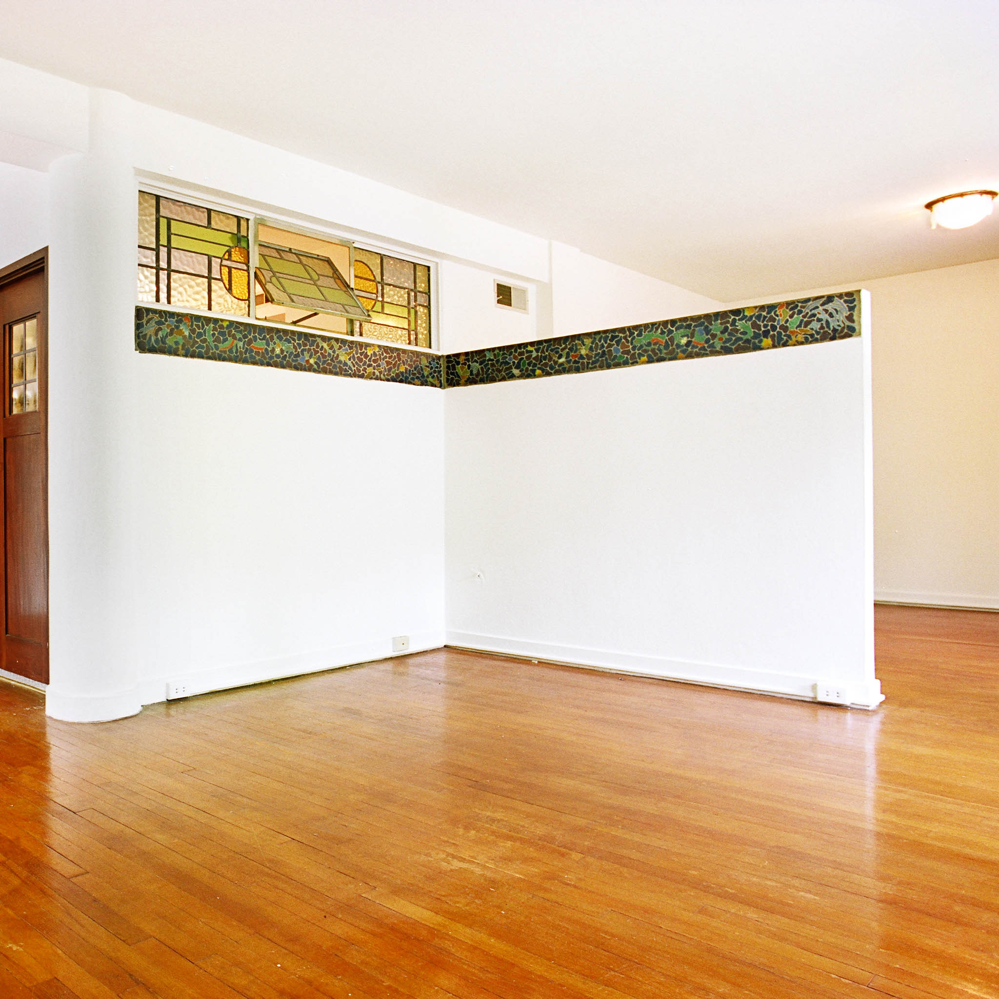 interior of 340 S. Highland Ave, Apt. 3A 4