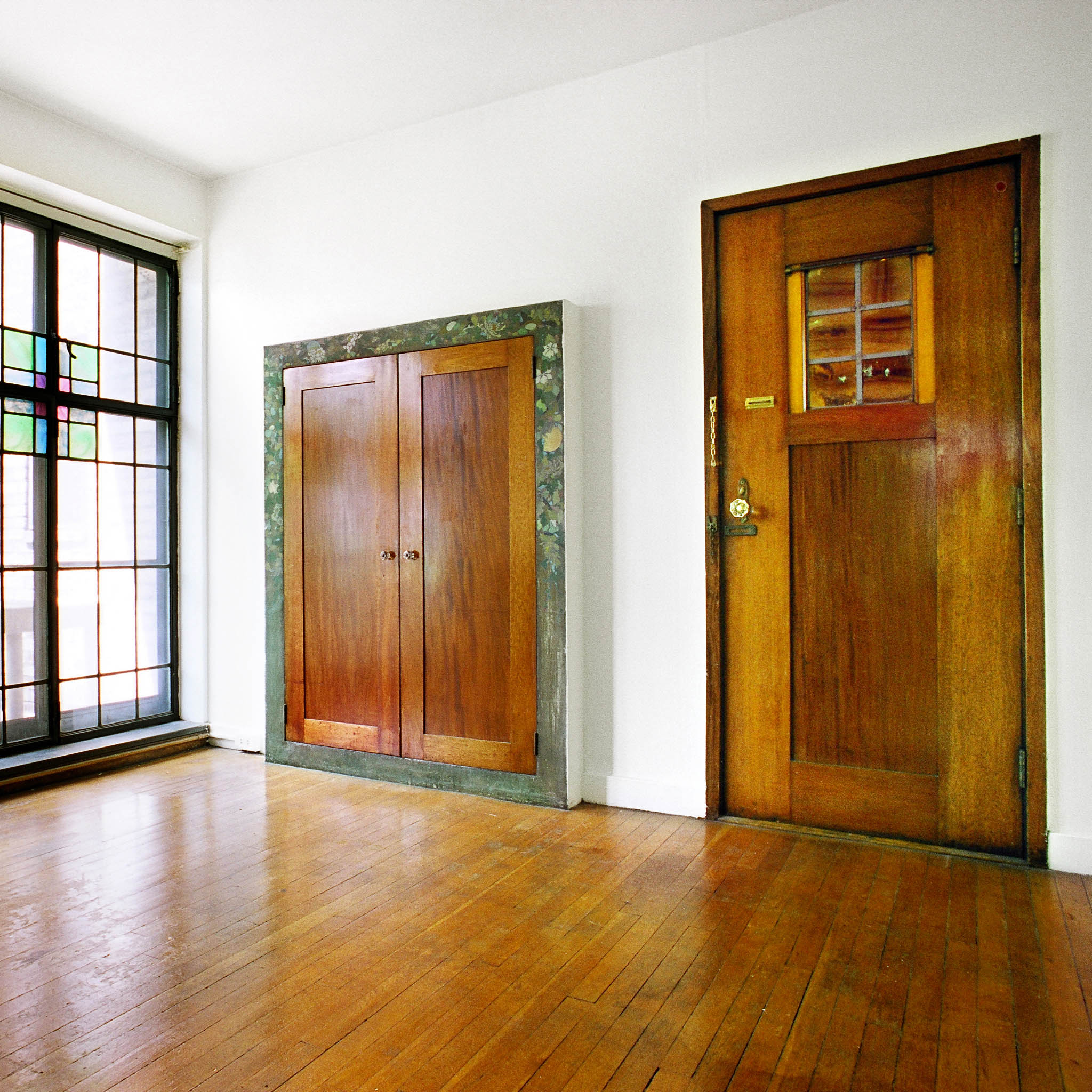 interior of 340 S. Highland Ave, Apt. 3A 5