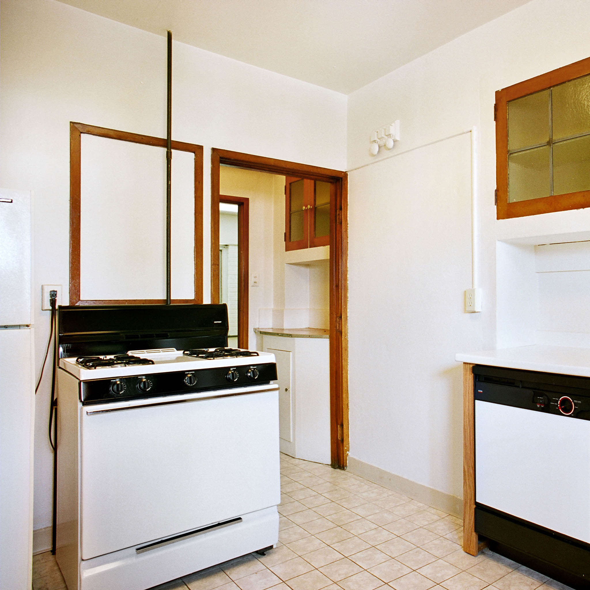 interior of 340 S. Highland Ave, Apt. 3A 9