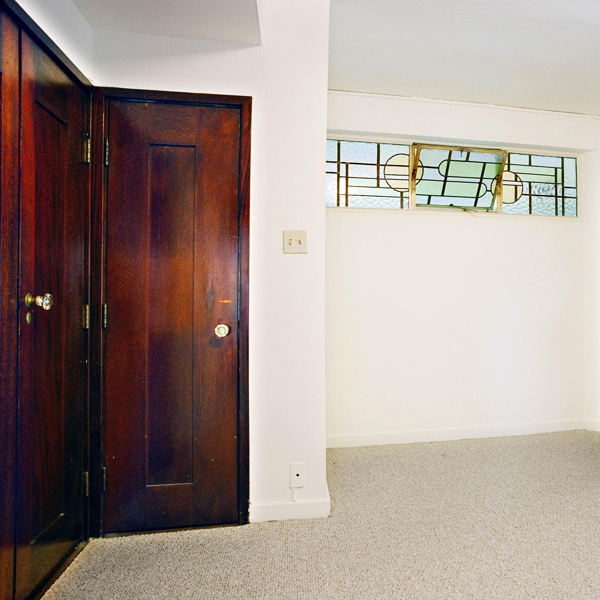 interior of 340 S. Highland Ave, Apt. 3A 8