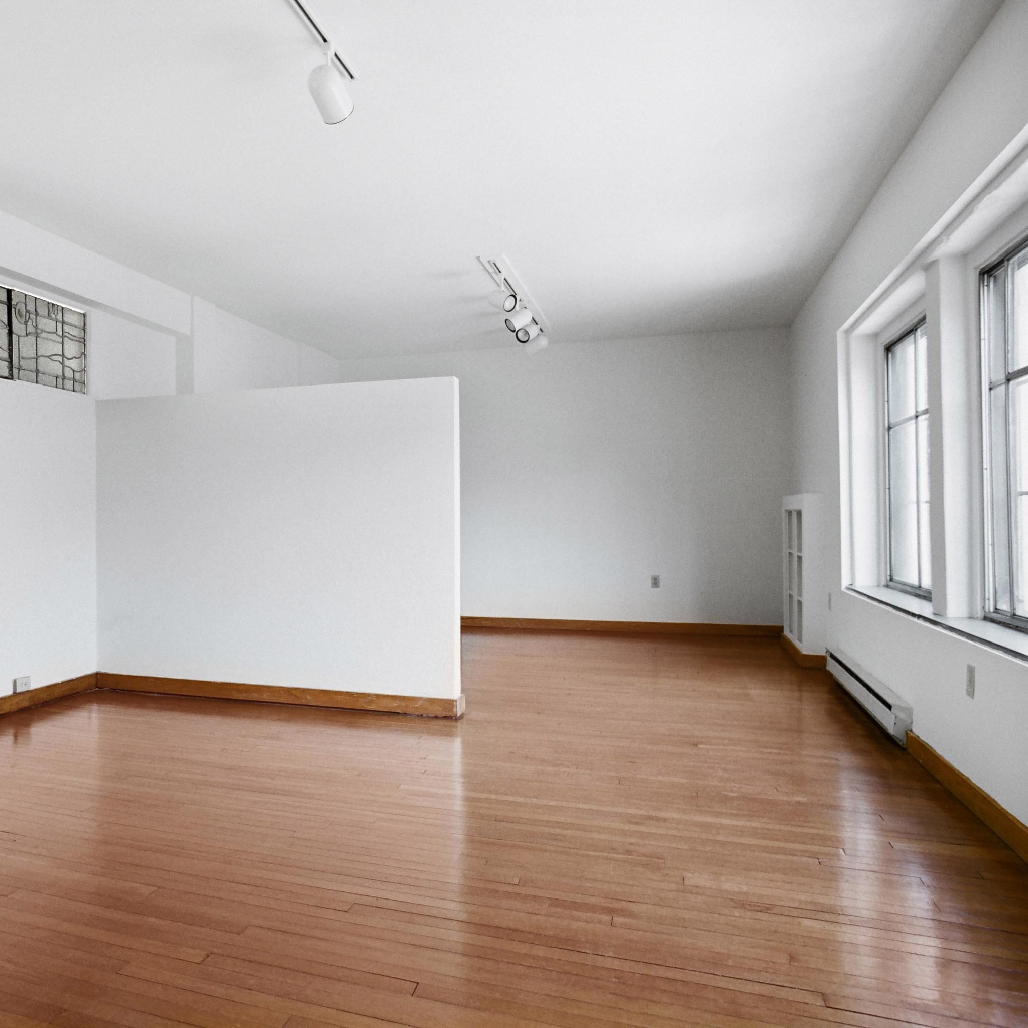 interior of 340 S. Highland Ave, Apt. 5A 4