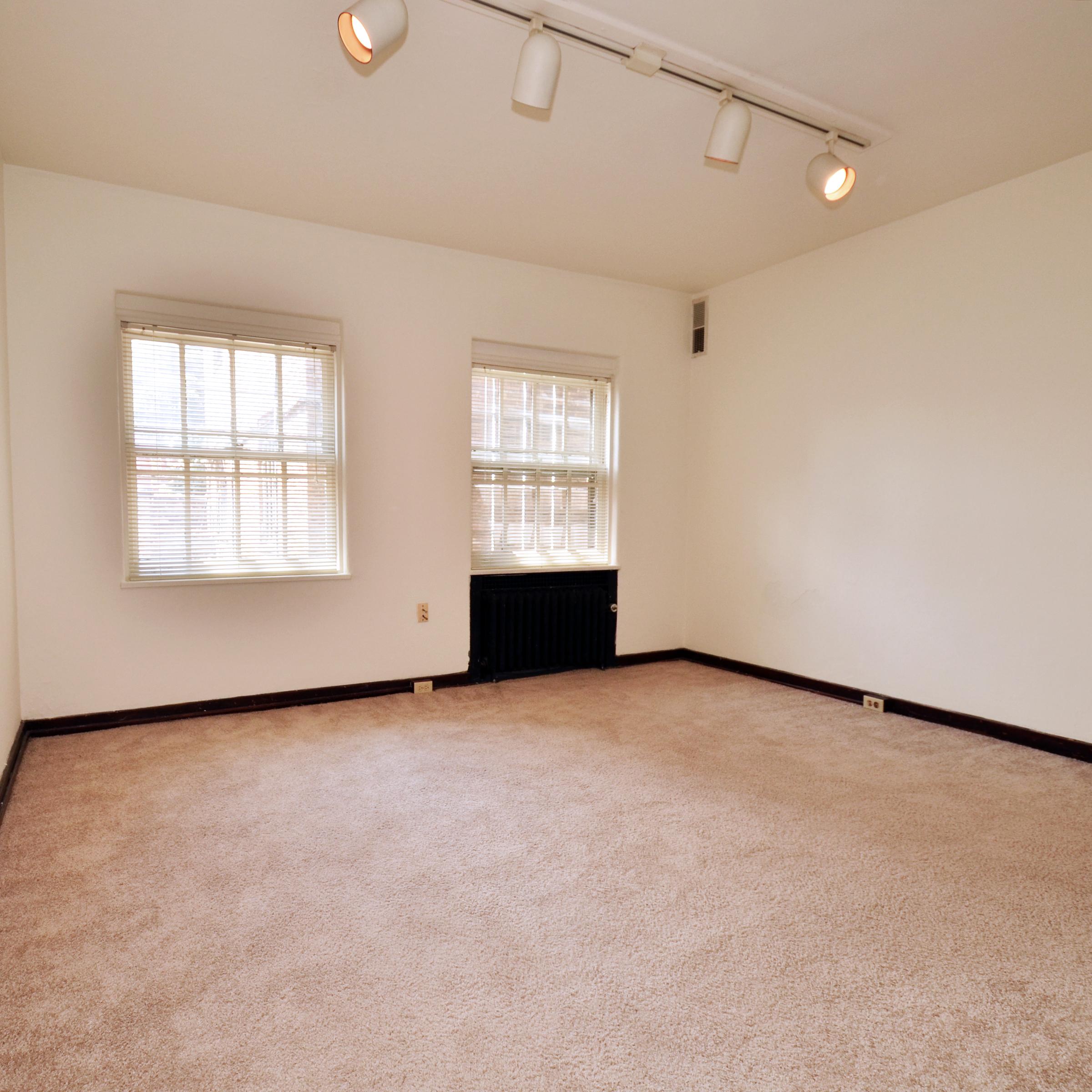 interior of 342 S. Highland Ave, Apt.  9B 2