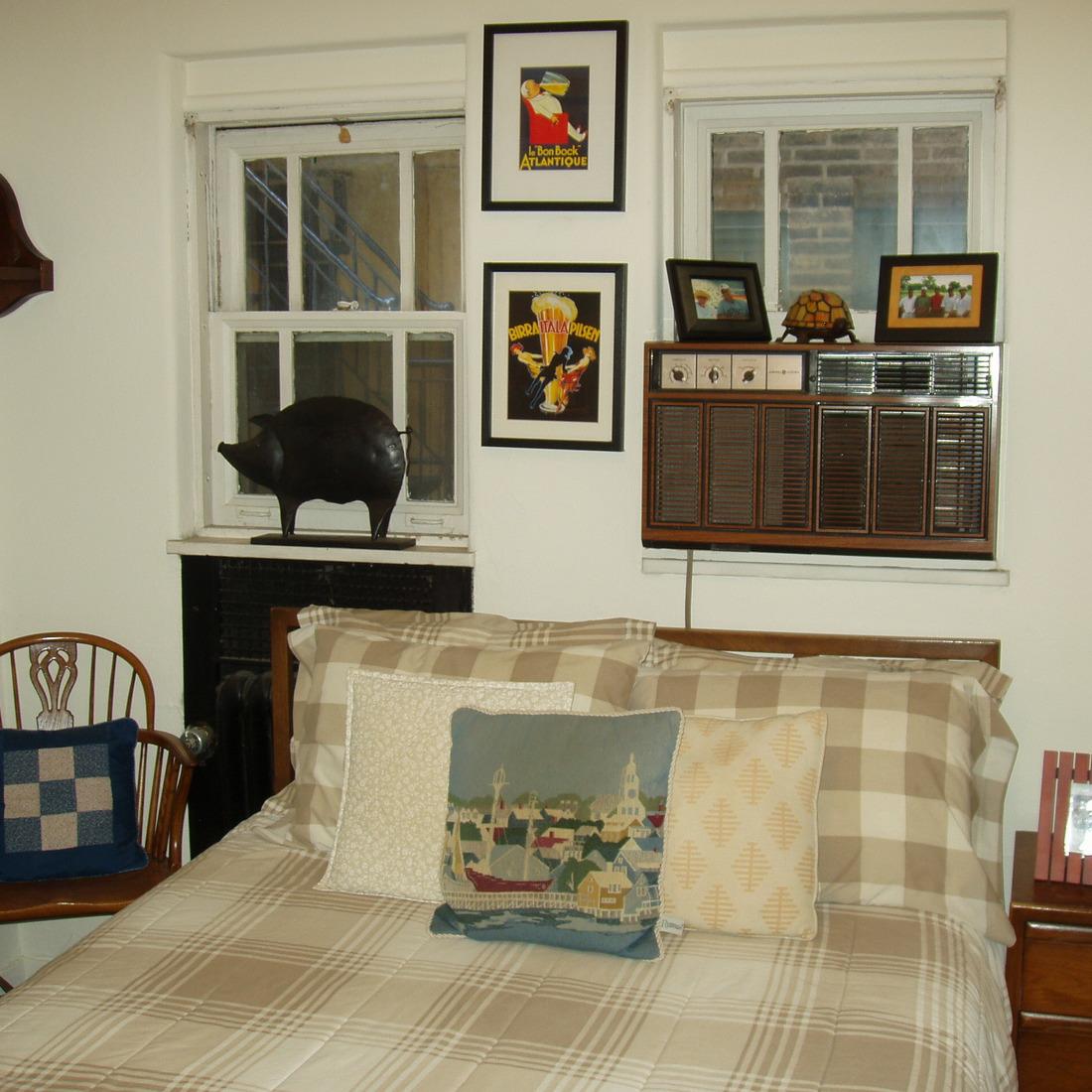 interior of 342 S. Highland Ave, Apt. 12A 10