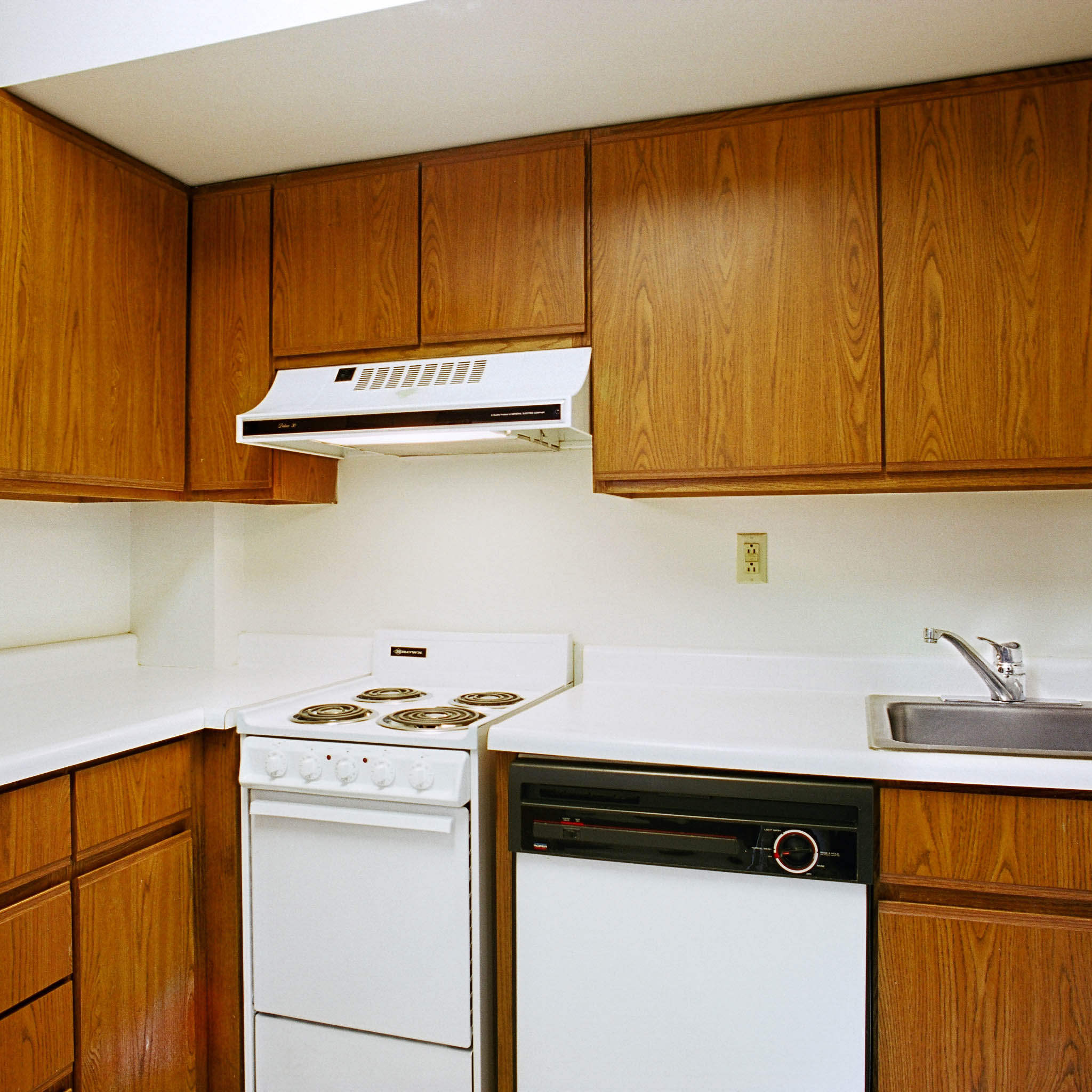 interior of 342 S. Highland Ave, Apt. 13B 3