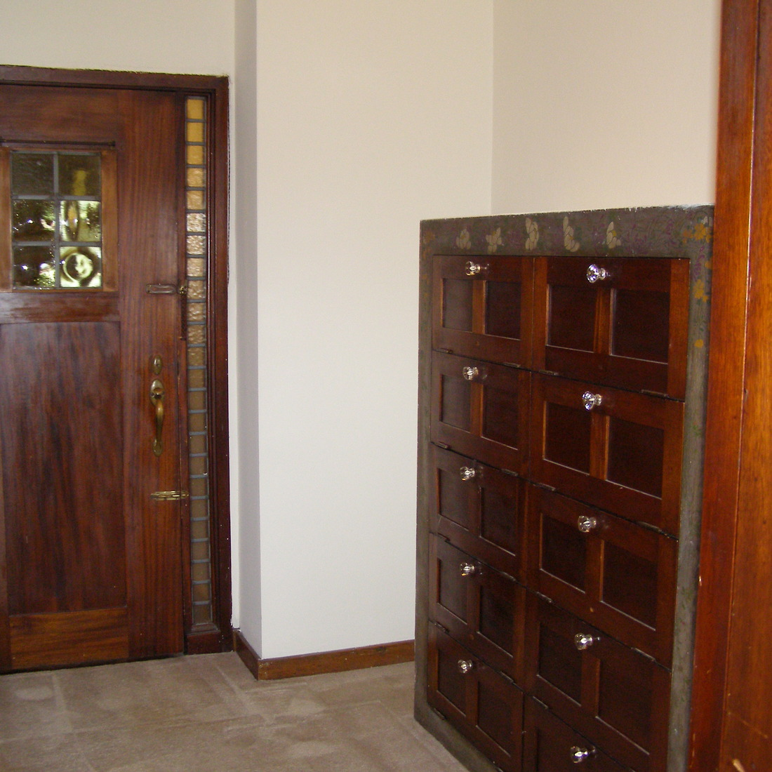 interior of 342 S. Highland Ave, Apt. 13B 2