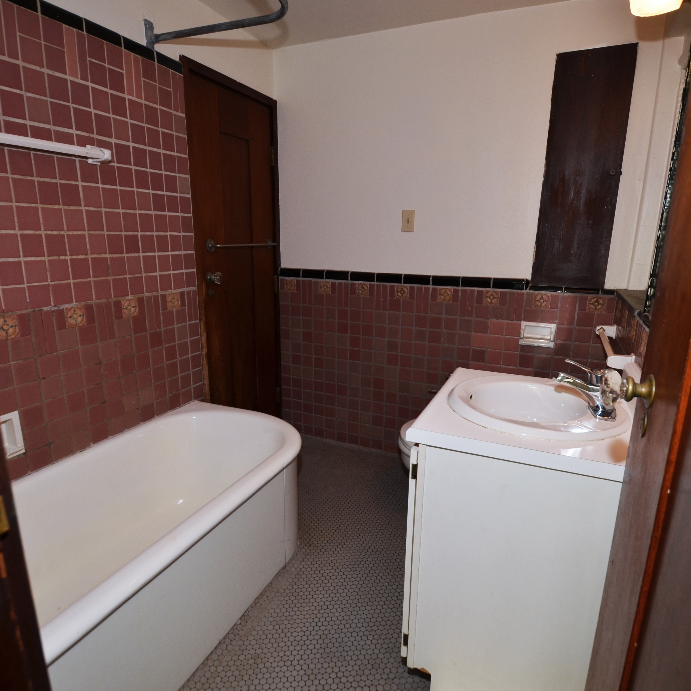 interior of 342 S. Highland Ave, Apt. 14B 8