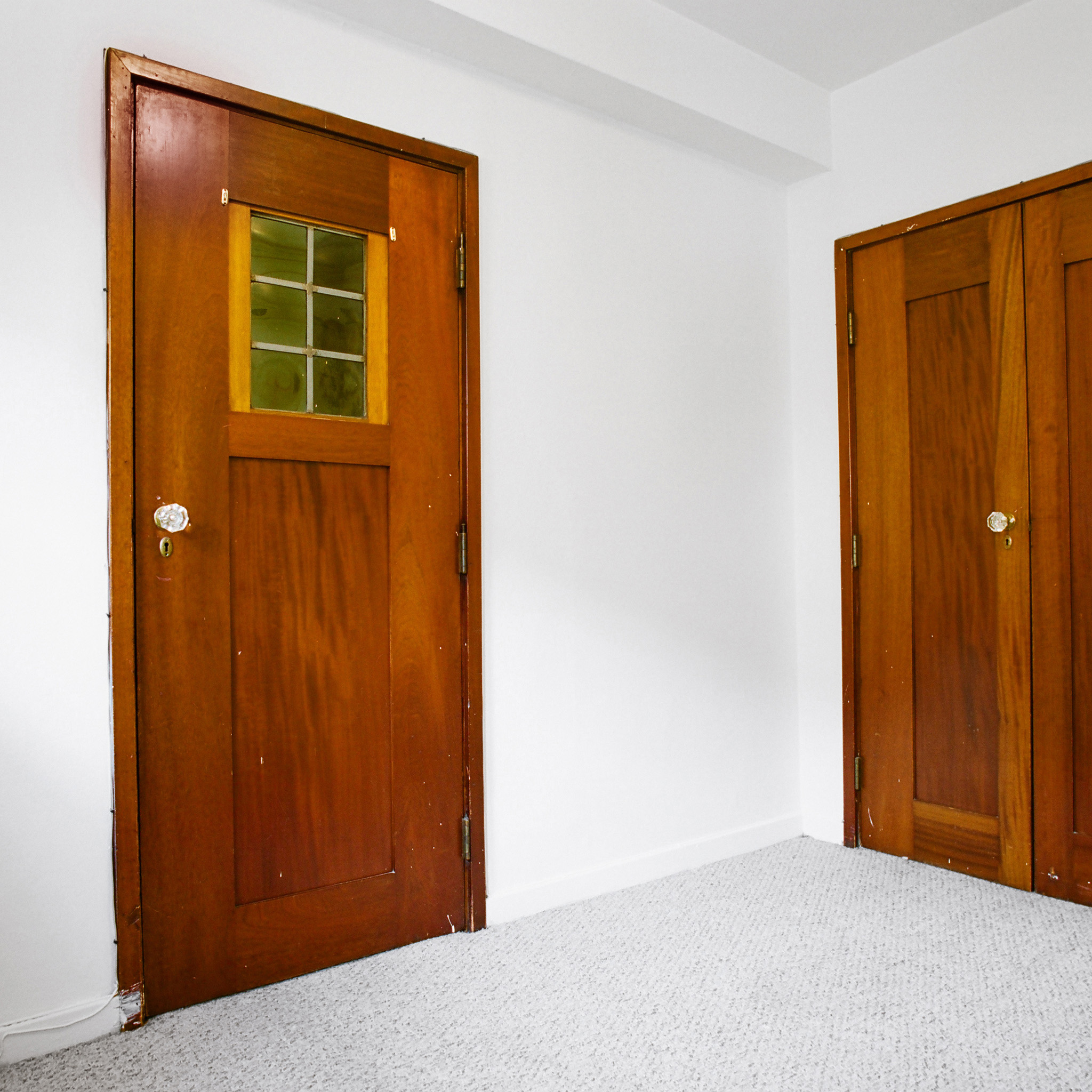 interior of 342 S. Highland Ave, Apt. 16A 3