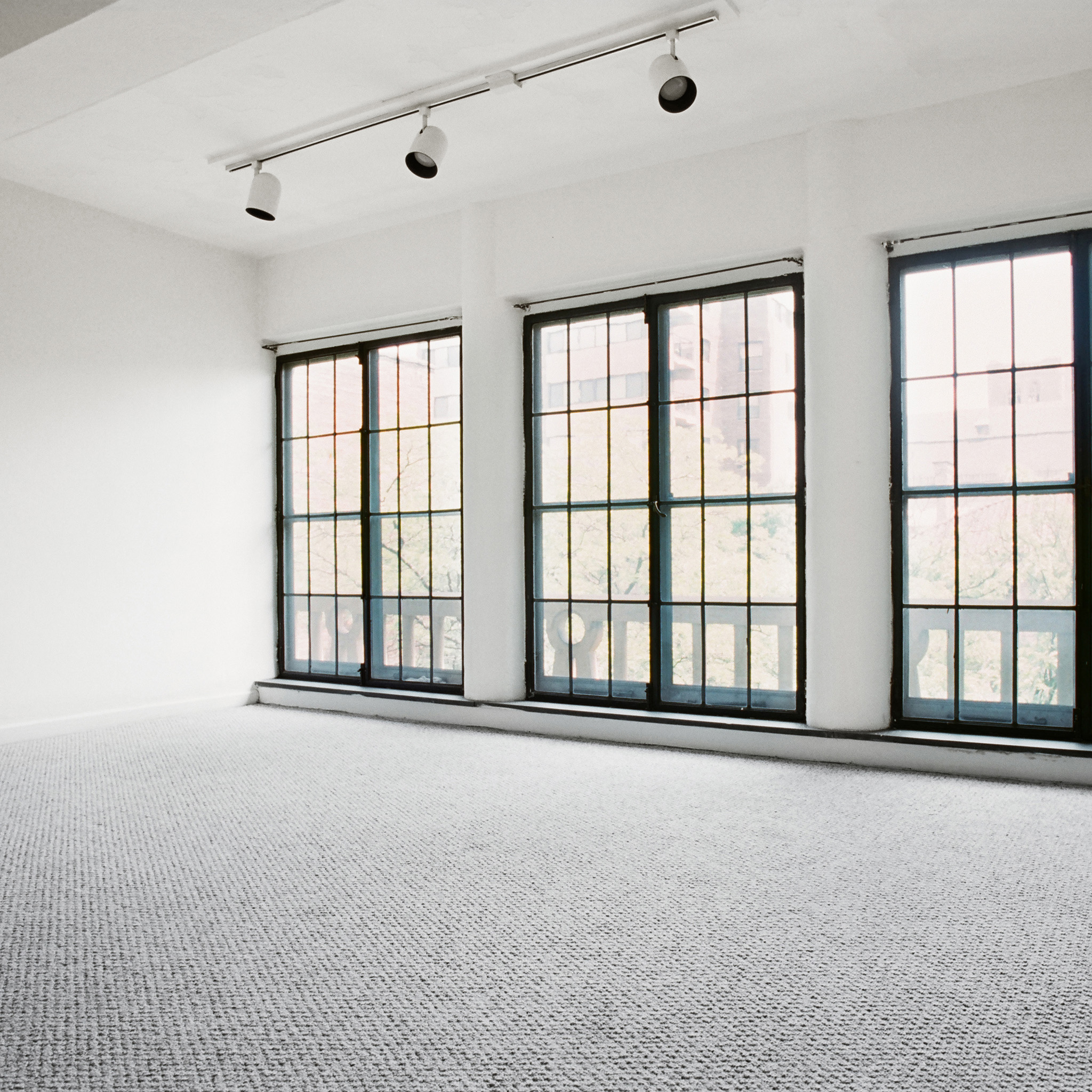 interior of 342 S. Highland Ave, Apt. 16A 1