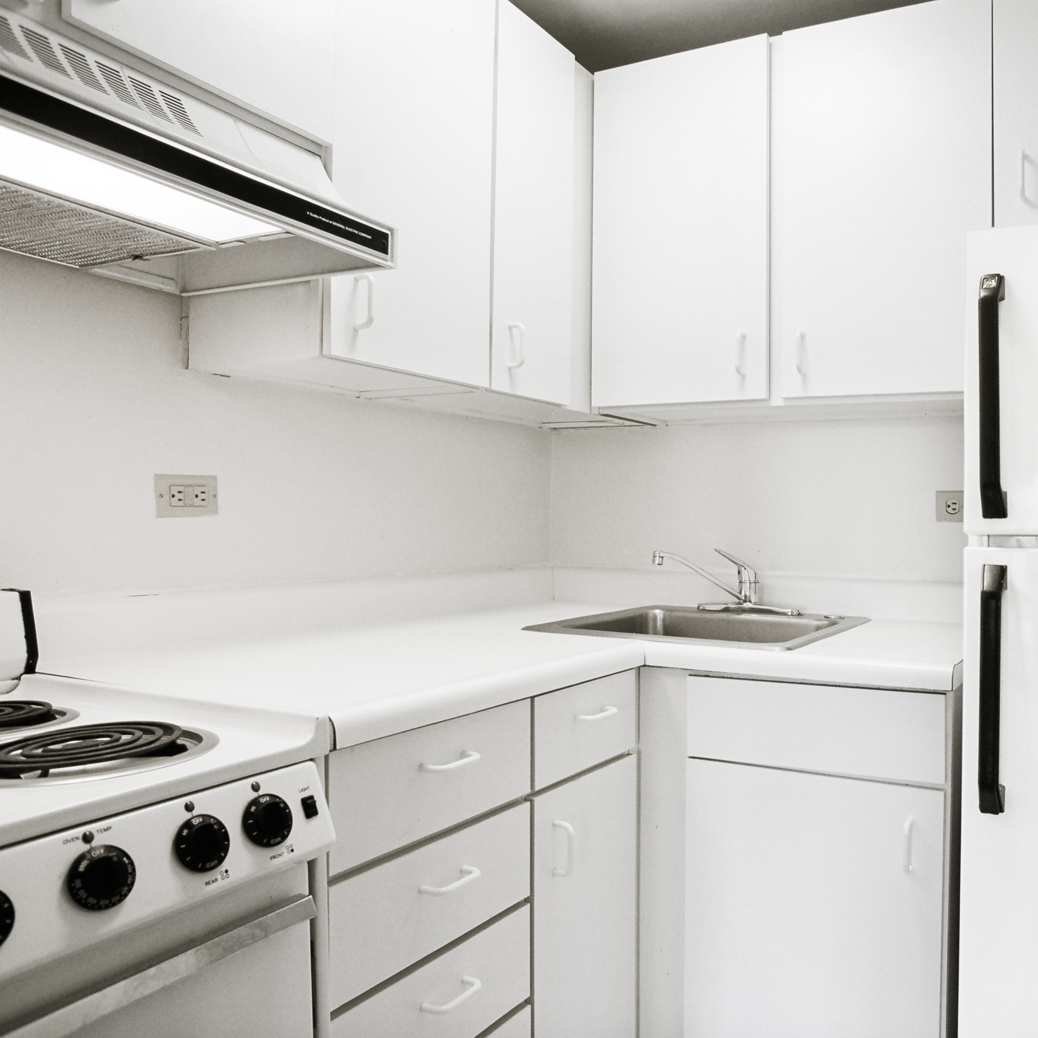 interior of 342 S. Highland Ave, Apt. 16A 5