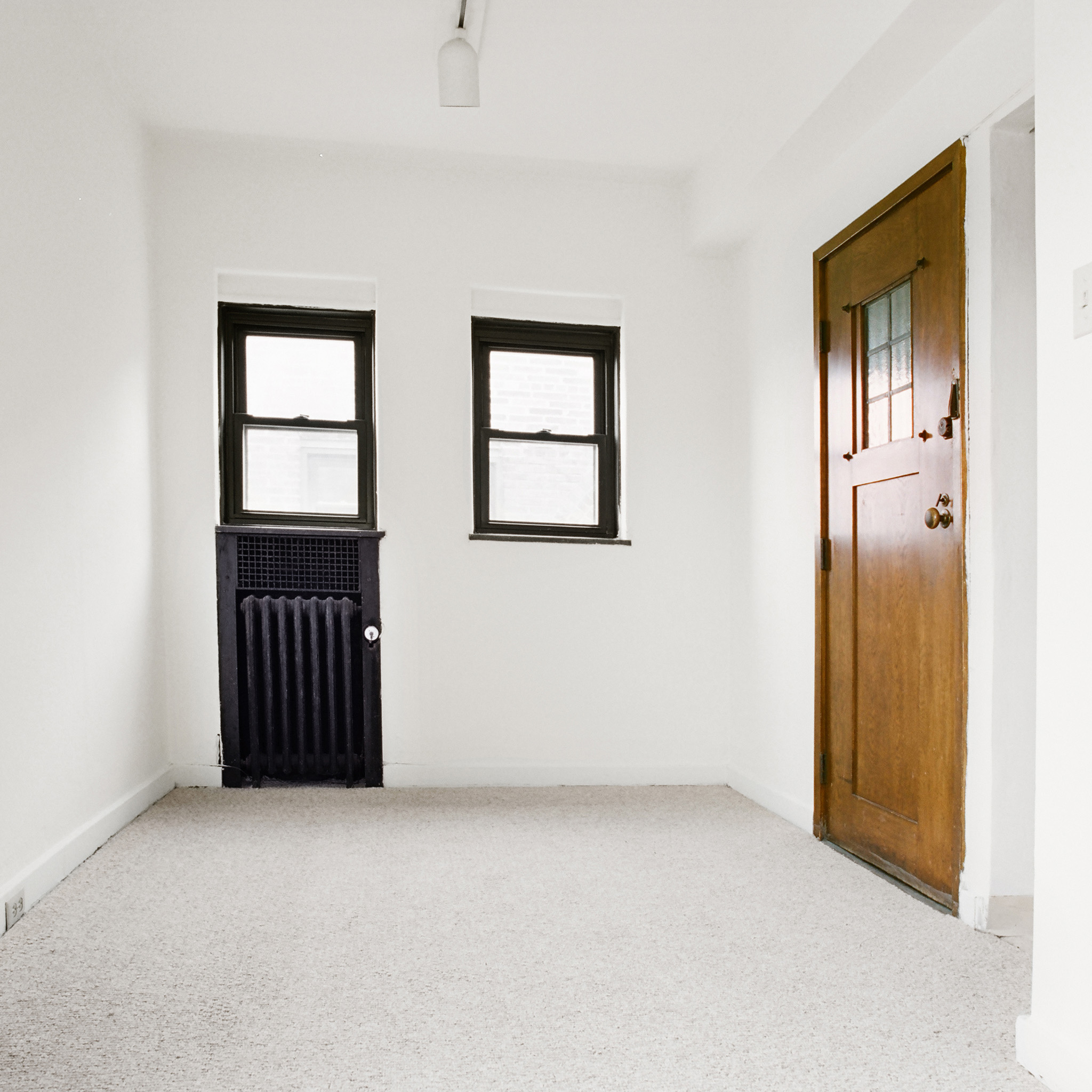 interior of 342 S. Highland Ave, Apt. 16B 2